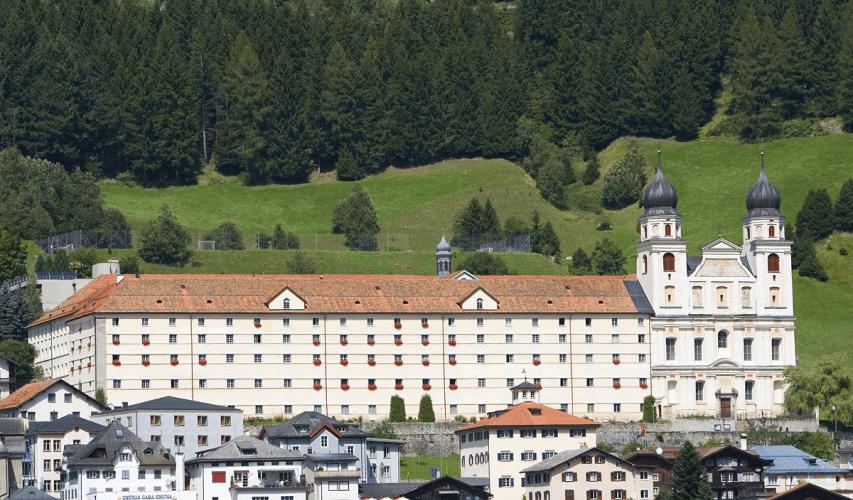 02.hotchillee_suisse_gravel_Disentis_monastery_Hotel