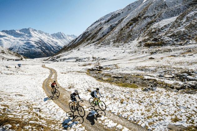 Suisse Gravel Explorer snow and gravel