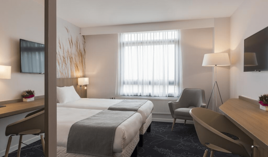 02London_Paris_Calais_Hotel