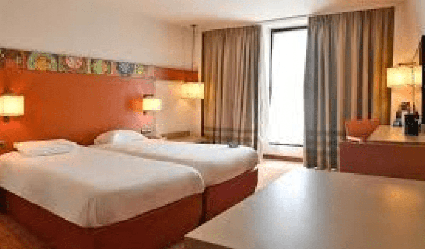 01London_Paris_Amiens_Hotel